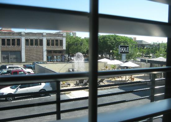 Sole Inn and Suites: View from the room of the water feature