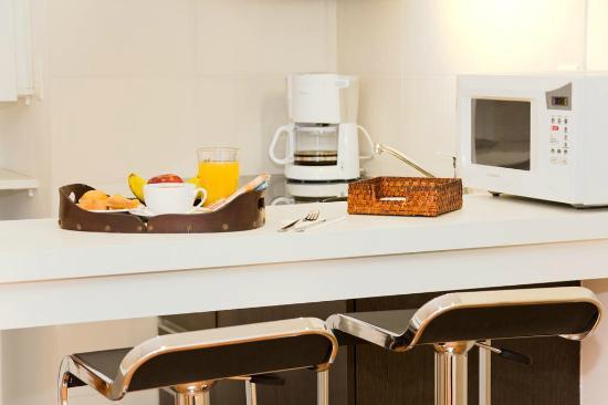 Massini Suites: Kitchenette de habitación