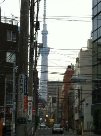 """Hotel Mystays Ueno Iriyaguchi: Sicht vom Hotel auf """"Tokyo Sky Tree"""""""