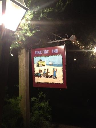 Yuletide Inn: sign