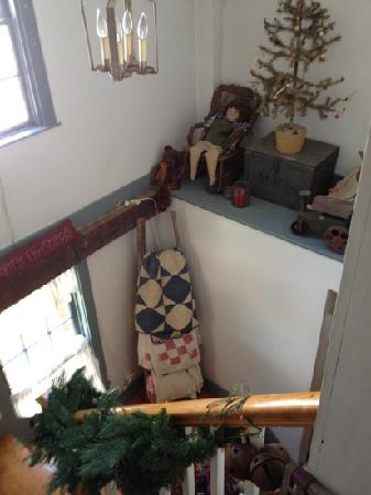 Yuletide Inn: stair well