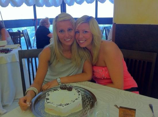 Beach Hotel Apollo : Io e la mia Sister!!!