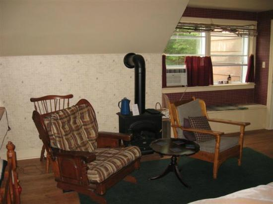 Fortune's Madawaska Valley Inn : Comfy Chair
