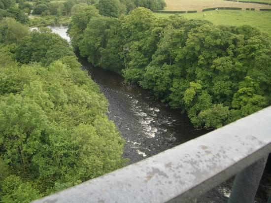 Summerfield Bed and Breakfast: River Dee from the aqueduct