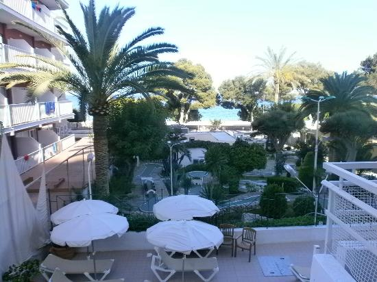 Hotel Tropico Playa: View from 1st floor room128,Pool Area, mini golf & Beach