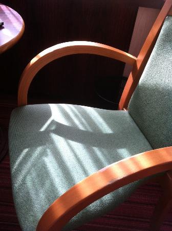 Mercure Besancon Parc Micaud : La chambre ou le restaurant? Que sais-je...