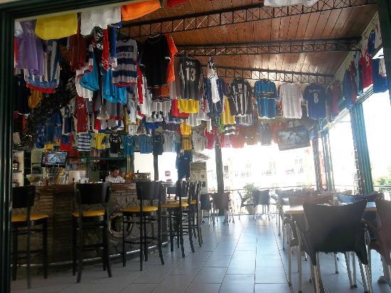 Planet Pub: Bar