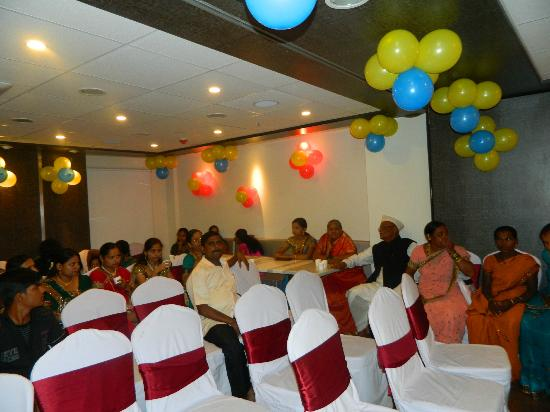 Bizz Tamanna Hotel: Balloons in the Banquet hall