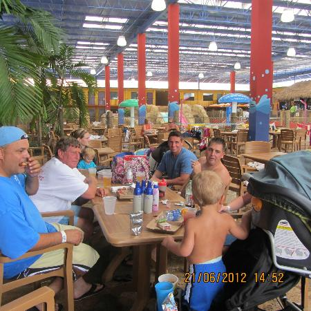 Coco Key Hotel and Water Park Resort: the part of the water park that is under a ceiling so weather was not a problem