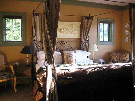 The Inn on Orcas Island: The Harvest Suite