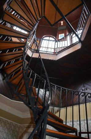 Wentworth Mansion: stairs to cupola