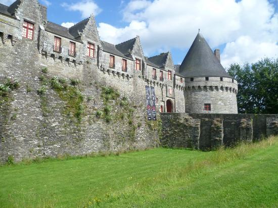 Pontivy Chateaux