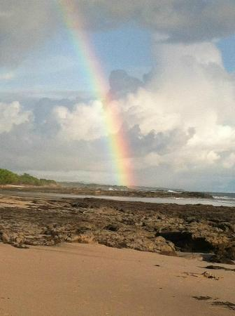 Hotel Playa Negra: Rainbow from the beach