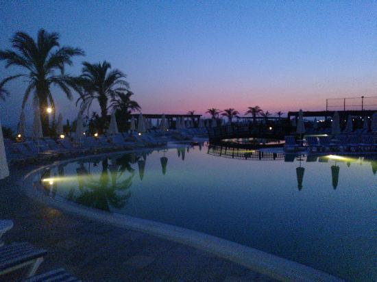 Long Beach Resort Hotel & Spa: pool