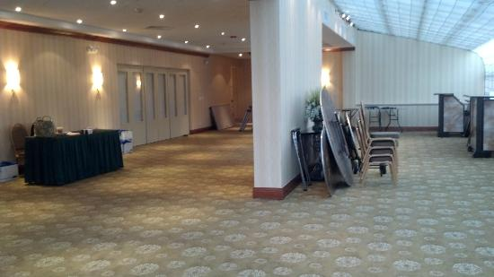 Holiday Inn Plainview - Long Island: Entryway being used for storage