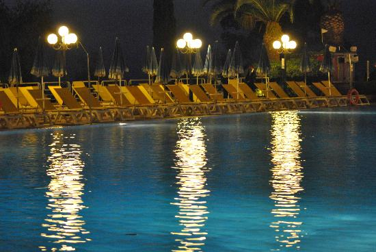 Hotel Club Costa Verde : la piscina