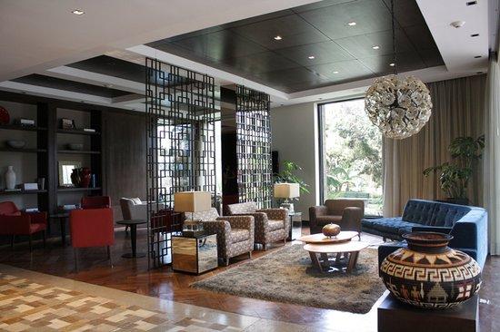 Hotel lobby fotograf a de morrison 114 hotel bogot for Diseno de lobby de hoteles