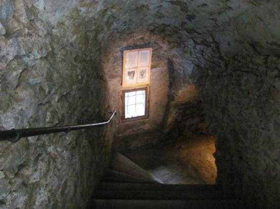 Church of the Most Holy Trinity: ntrance descending