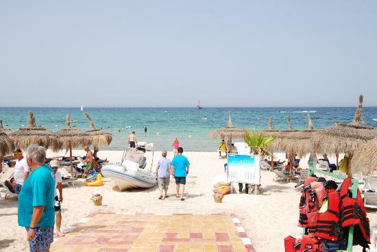 El Mouradi Palace: Beach