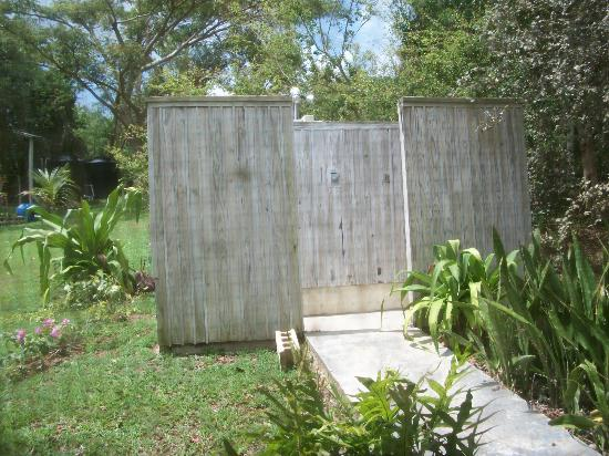 La Finca Vieques: Outdoor showers at Casa Nueva