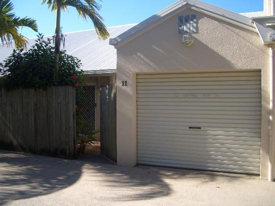 The Villas Palm Cove: Villa 11