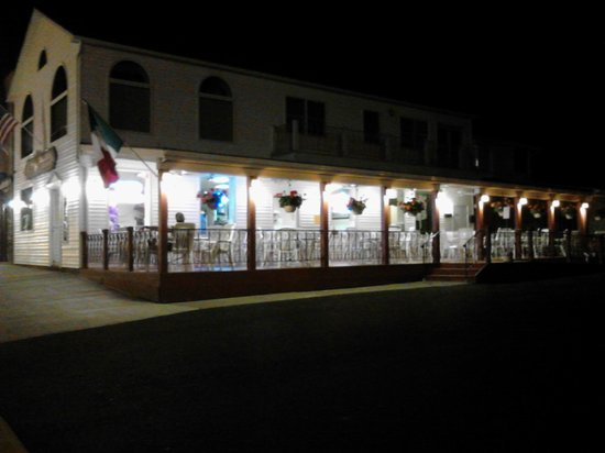 Guiseppe's Restaurant : Outdoor seating area