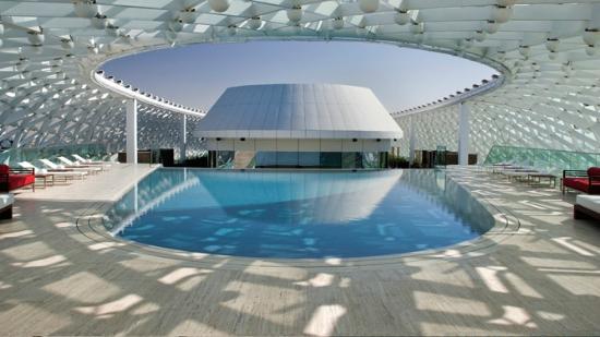 Emirados Árabes: Yas Viceroy Abu Dhabi pool