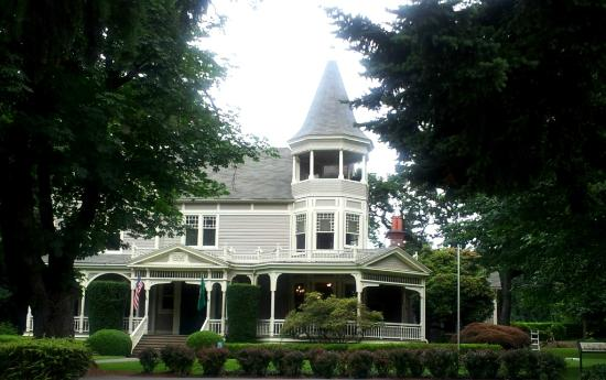 General George C. Marshall and his wife lived in this house at Ft. Vancouver from 1936 to 1938