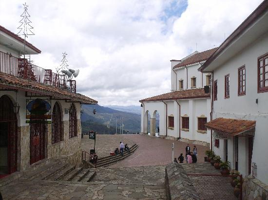 Cerro de Monserrate: Hacia el Templo