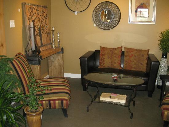 Garden Store & Café : Cozy places to sit and sip your tea.
