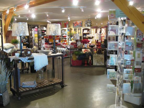 Garden Store & Café : Garden store where you can browse with your coffee.