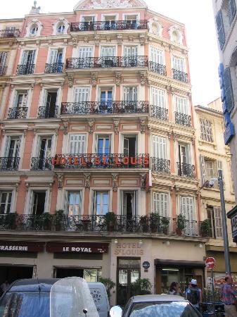 Hotel Saint Louis: traditional facade