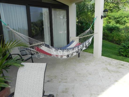 Villa Buena Onda : Downstairs bedroom with private hammock