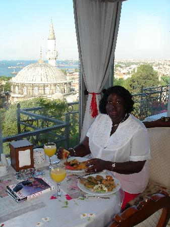 Ada Hotel Istanbul: Breakfast on the roof top