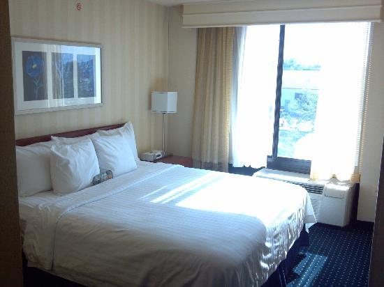 SpringHill Suites Chicago Elmhurst/Oakbrook Area: Bed