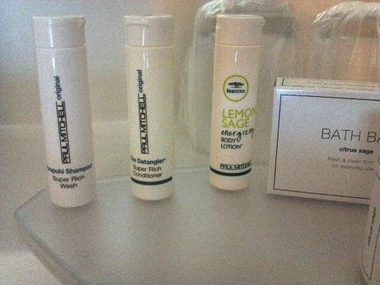 SpringHill Suites Chicago Elmhurst/Oakbrook Area: Paul Mitchell = awesome!