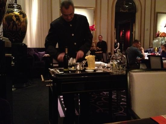 Joel Robuchon: carving the butter