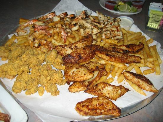 Dirty Al's at Pelican Station: 40pc Seafood Botana