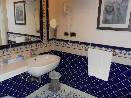 Hotel Posa Posa: bath room 603