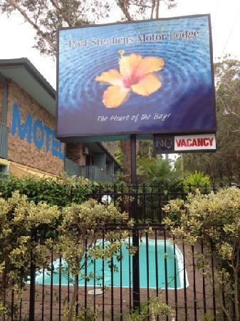 Port Stephens Motel: sign