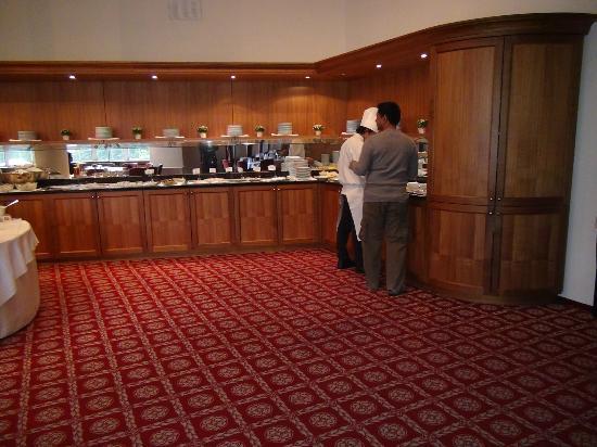 Steigenberger Grandhotel Belvedere: Breakfast