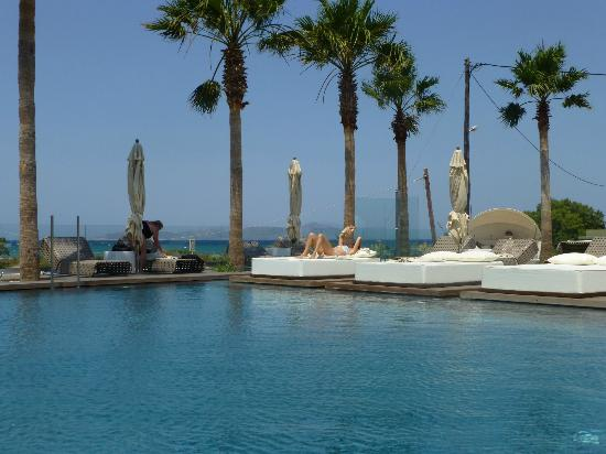 Aqua Blu Boutique Hotel + Spa: Pool area