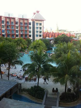 Hard Rock Hotel Singapore : Swimming pool area