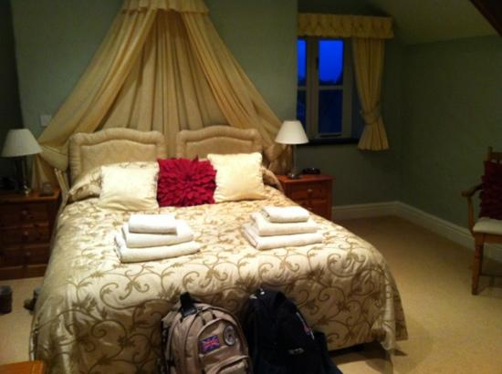 East Hook Farm & Country House : our room (no 5) in self catering cottage