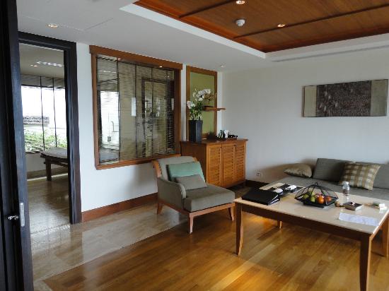 Trisara Phuket: プールスイートのリビング