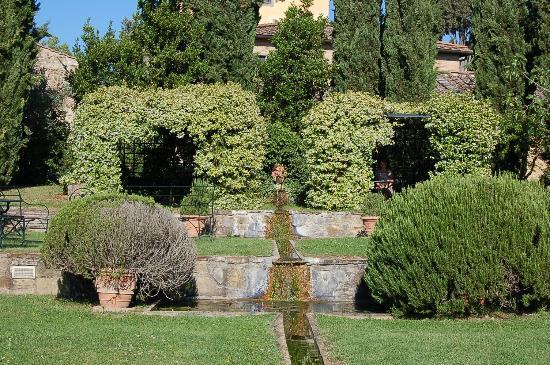 B&B Il Borghetto: Garden grounds