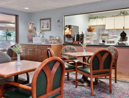 Badger Hotel: Breakfast Area