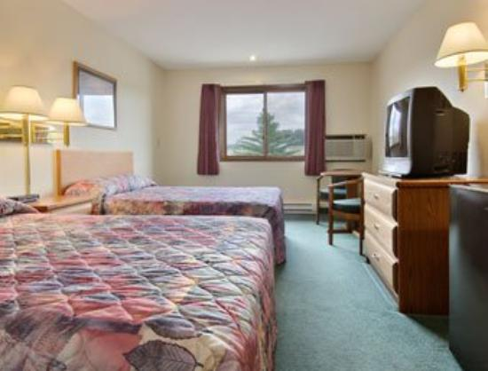 Boarders Inn & Suites : Standard Two Double Bed Room