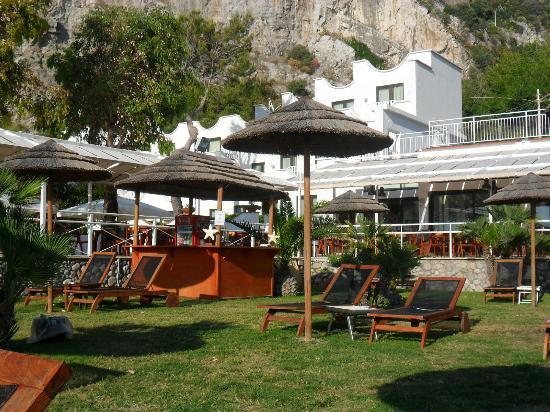 Sea Club Conca Azzurra Resort : sunbathing area