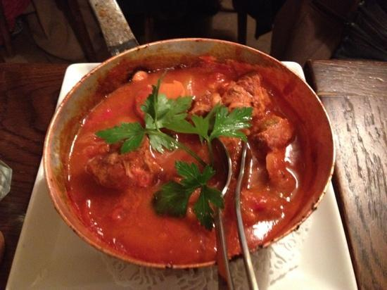 Le Volant: savory veal stew